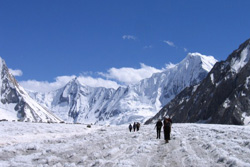 Zcharakusa Glacier Trek